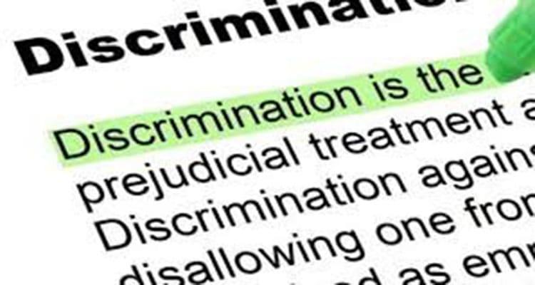 Le mot discrimination surligné en vert